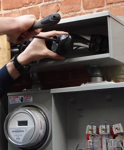 Commercial electrician in Purley.